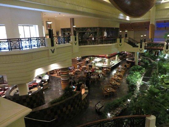 Grand Hyatt Dubai: Inside hotel