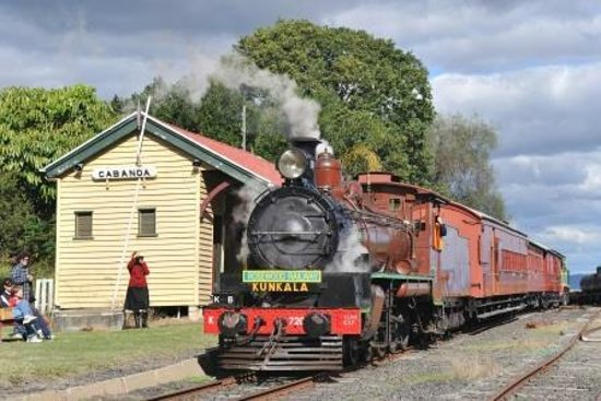 Rosewood, Australien: Steam Train waiting at Cabanda station