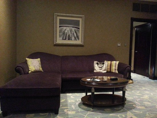 Wyndham Grand Regency Doha: Biggest Sofa Ever Seen