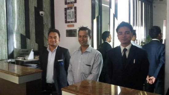 Hotel Royal Highness: Smiling and happy staff