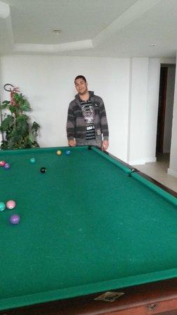 Camboriu Praia Hotel: sala da piscina e salão de jogos