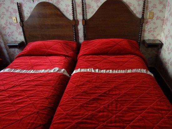 Grand Hotel Dechampaigne: ベッド