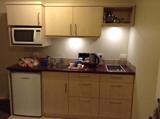 Roma on Riccarton Motel: Room no. 10 kitchen area