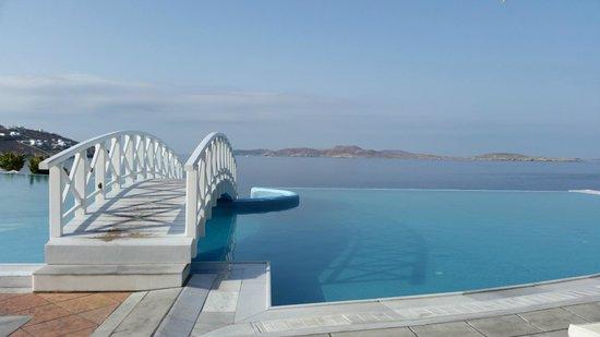 Saint John Hotel Villas & Spa: Main Swimming pool