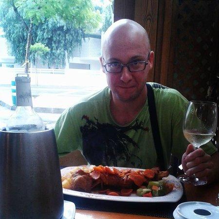 S'Amfora Restaurant: Баранья нога, фирменное блюдо ресторана