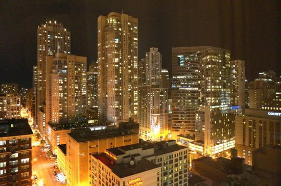 SpringHill Suites Chicago Downtown/River North: The view from our room on floor 27.
