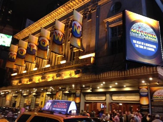 Motown The Musical on Broadway : The theatre