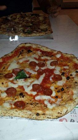 Pizzeria Michele via Martucci: Diavola