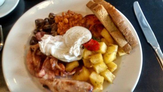 Balans Soho Society - Kensington: Nice English breakfast, bad picture..!