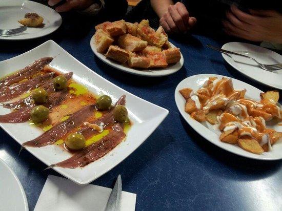 La Castellana: Comida en sede social