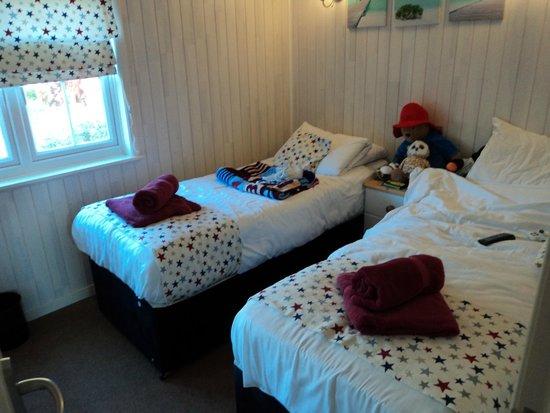 Shorefield Country Park: BEDROOM