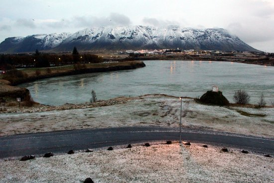 Hotel Selfoss : View across the river