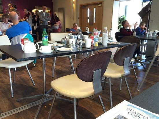 Multiflight Cafe: No clear tables