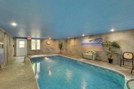 Hotel Spa Watel : Piscine intérieure chauffée