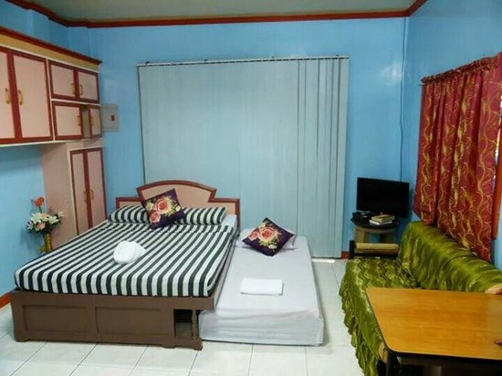 Have Pension Hauz: Family Room 1 Double Bed And Pull Out 1 Single Bed With