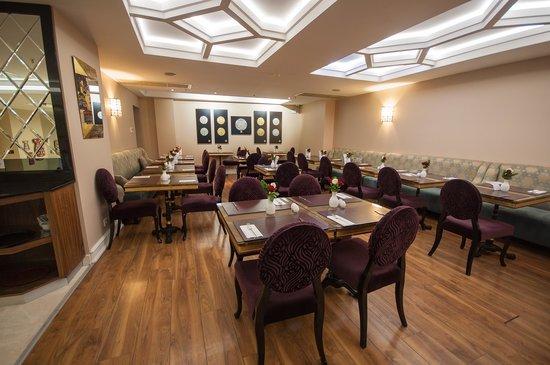 Neorion Hotel: Breakfast & Lunch Area