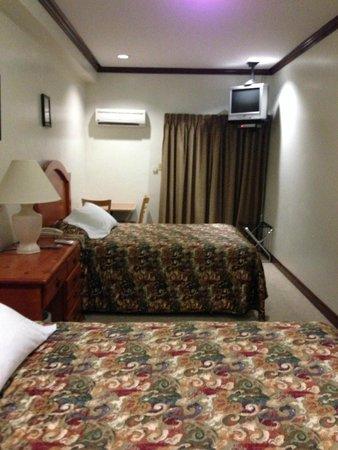 Penthouse Hotel : 2 queen beds
