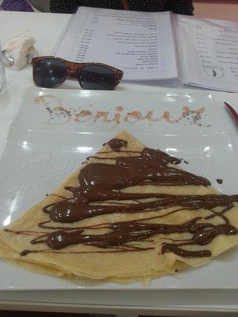 Marie Antoinette Café Glacier: Belgian chocolate crepe