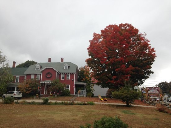 Old Red Inn & Cottages: fall at the inn, cant beat it!