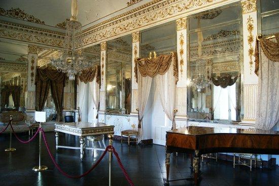 Sala degli specchi picture of castello di donnafugata - Sala degli specchi ...