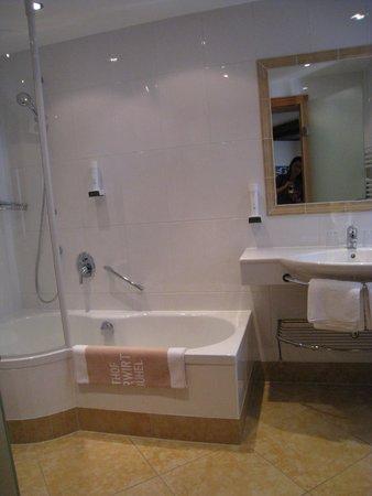 Gasthof Eggerwirt: our bathroom