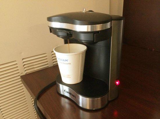 Wyndham Boston Beacon Hill: Coffee machine