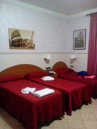 Albergo Lucia: camera da letto