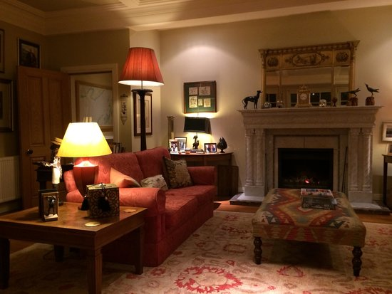 Melfort House: Lounge