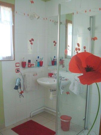Au Temps des Cerises : C'est un plaisir de prendre la douche!