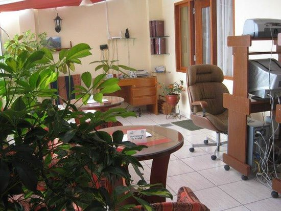 LARAMANI: Sala en 2do piso