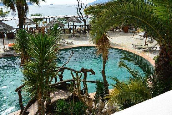 جلوريا ماريس هوتل سويتس آند فيلاز: zwembad