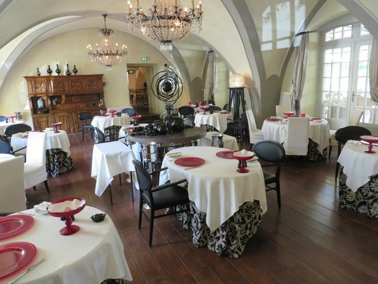 Chateau De Germigney: Main Dining Room