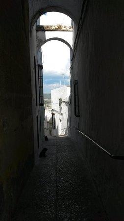 Hotel El Convento: Vieuw through one of the streets