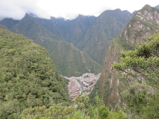 Putucusi Mountain: Aguas Calientes