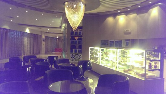 Cakes/Pastries lounge in Lobby area