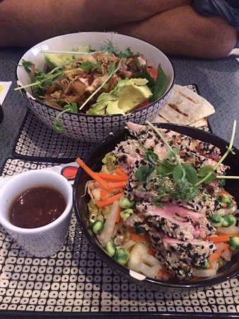Muggens kok: Pulled pork salad and Tuna with glas nudles