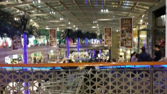 Dubai Festival City Mall: the mall