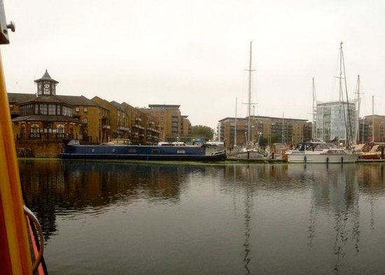 Limehouse Basin Canalside