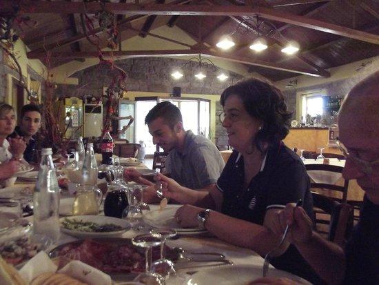 Ristorante-Pizzeria Li Tre Funtani: riunione di famiglia