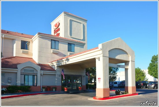 Econo Lodge Denver International Airport: Esterno entrata