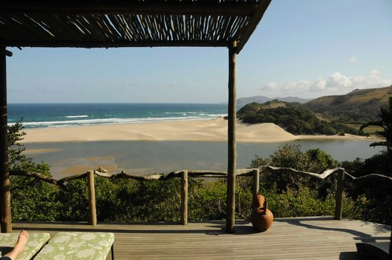 Umngazi River Bungalows & Spa: Ntabeni deck view