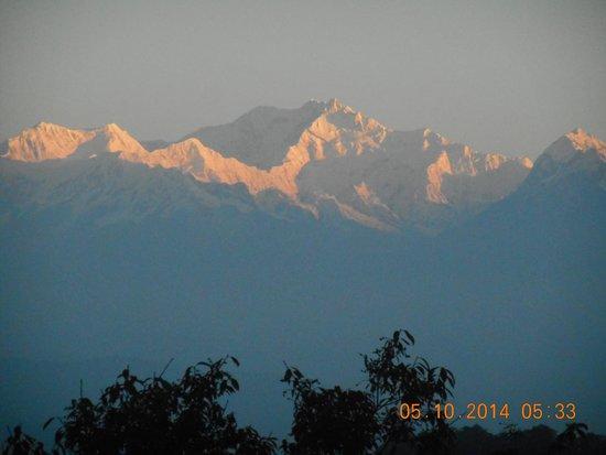 Dekeling Resort at Hawk's Nest: The Majestic Kanchenjungha
