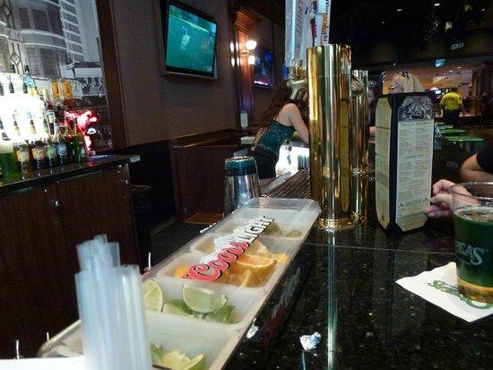 O'Sheas: bar