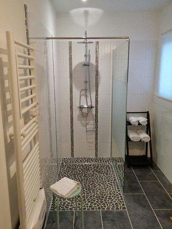 douche italienne photo de la maison du passant cales tripadvisor. Black Bedroom Furniture Sets. Home Design Ideas