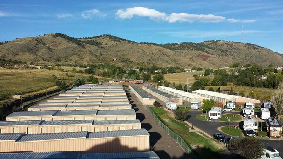 Dakota Ridge RV Park : Part of the great views offered.  Another misleading tidbit of information