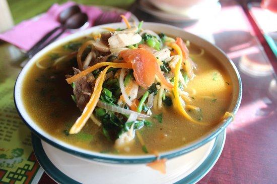 Kunga Restaurant: Chicken Thukpa.