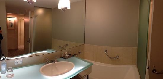 The Premier Times Square by Millennium: bathroom