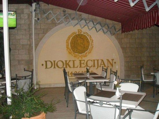 Restaurant Dioklecijan: good atmosphere