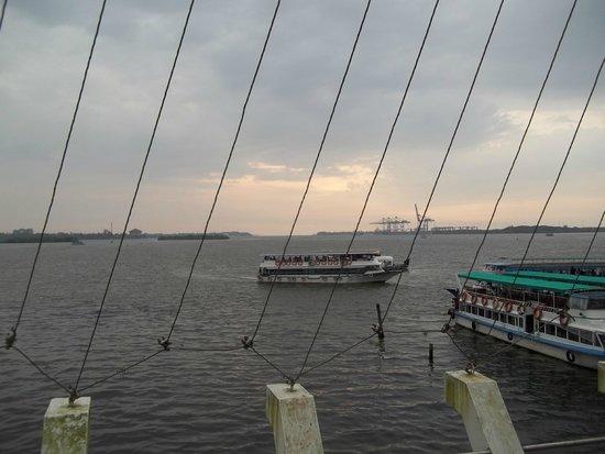 Marine drive jetty