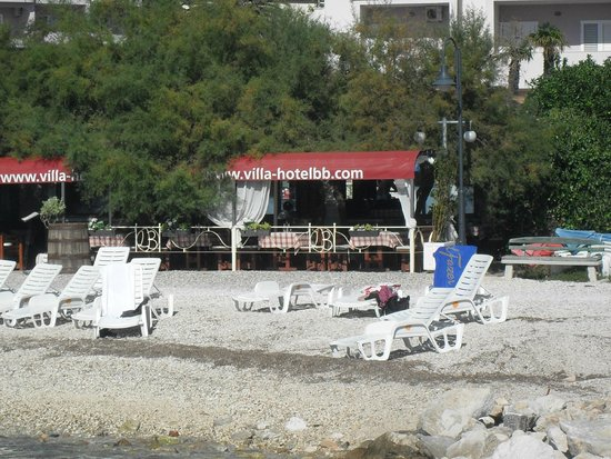 Villa Hotel BB (Apartments Bozikovic): view from the pier